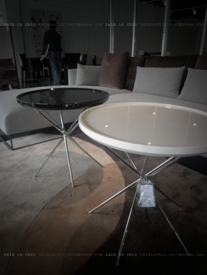 talkischic black and white round tables